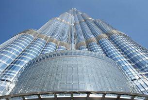 How tall is Burj Khalifa